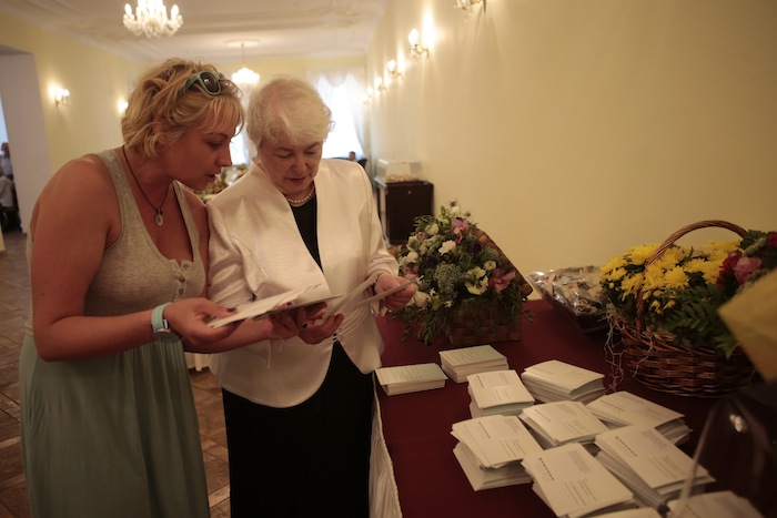 Birthday Cards Delivered ~ Thousands of birthday cards delivered to khodorkovsky s parents